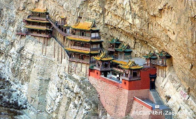 山西建在悬崖上的景区悬空寺,楼道惊险到仅能容纳一人!