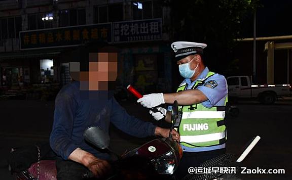 运城夏县公安交警查获一起无证驾驶套牌摩托车违法行为