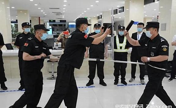 运城市政务服务中心组织大厅办事员进行突发事件应急专题培训